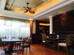 Nice ambience, Food not really fine dining
