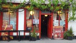 J.J. Hough's Singing Pub