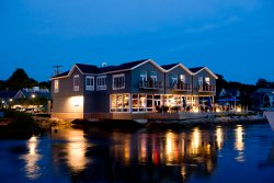 The Boathouse Waterfront Hotel