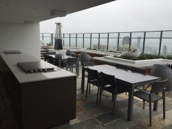Great view, lovely appartment, free parking! & about 20min walk to Cavill Ave