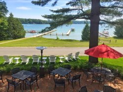 Walloon Lake Inn