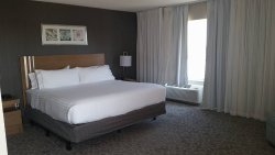 Holiday Inn Express & Suites Oshawa Downtown - Toronto Area