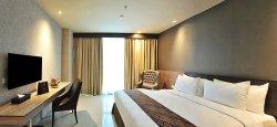 Aria Centra Hotel
