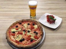 Pizza vegetariana z piwem Warka czerwona