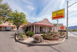 Adventure Inn & Motel