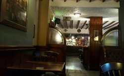 Great pub in beautiful surroundings.