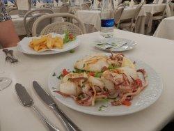Calamari alla griglia e patatine fritte ( buonissime)