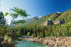 Fairmont Banff Springs, Summer