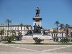 Monumento a Camillo Cavour