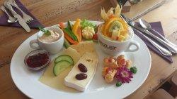Isa's Cafe & Weinbar