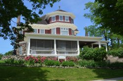 Brechet Inn Bed and Breakfast