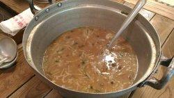 鶴の湯名物の山の芋汁です
