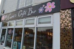 Naomi's Cafe Bar