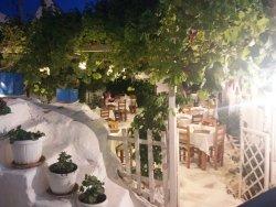 Manolis Garden Taverna