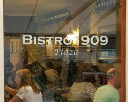 Bistro Plaza