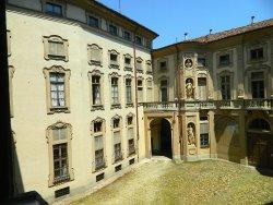 Palazzo Gozani Di Treville