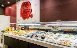 Desayuno buffet ILUNION Atrium