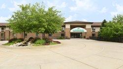 密西根州立大學蠟木套房飯店