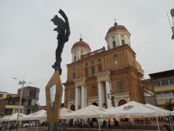 Catedral and Monument on Parque Principal