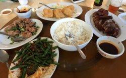 Au's Garden Restaurant