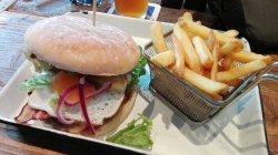 B-Burger Bar