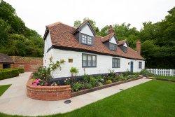 The Dog & Badger - Gillman's Cottage