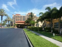 100% Amazing Hotel & Staff