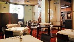 Ginebre Restaurant