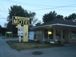 Glenwood Motel & Cottages