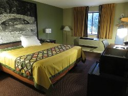 Super 8 by Wyndham Ankeny/Des Moines Area