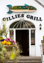 ‪Gillies Bar & Grill‬
