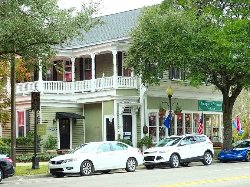 Antiques & Artisans In Town