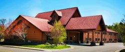 Pine Peaks Lodge and Suites