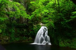 Akame Shijuhachi Waterfall
