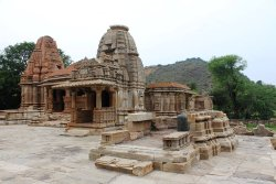 Sas-Bahu Temple Tour