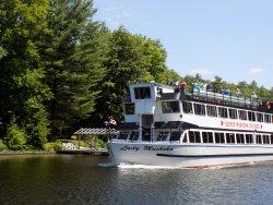 Lady Muskoka Cruises