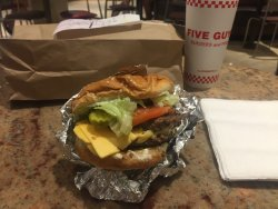 ‪Five Guys Burger and Fries‬
