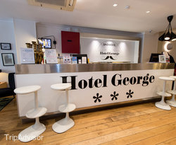Front Desk at the Hotel George - Astotel