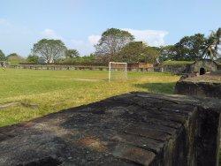 situs benteng yang dijadikan lapangan sepak bola