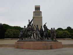 Mahnmalsanlage und Gedenkstätte der DDR