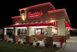 Freddys-frozen-custard-steakburgers
