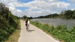 Loire a Velo Cycle Path