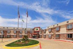 Holiday Inn Express & Suites Arlington