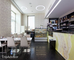Lounge Bar at the Best Western Hotel Nazionale