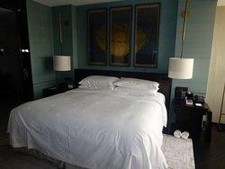 Bedroom Room 701