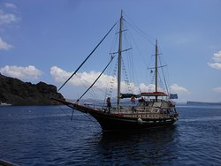 Adonis Traditional Boat Tours
