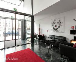 Lobby at the ARCOTEL Velvet