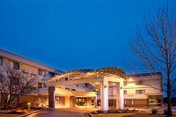 Holiday Inn Express Milwaukee- West Medical Center