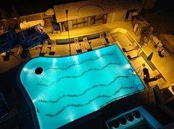 โรงแรมแอร์พอร์ต ติรานา