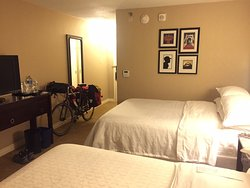 Great location, good for GAP bike tour, standard Sheraton/conference hotel